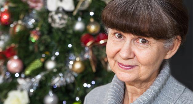 old-women-celebrating-christmas